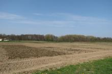 Maaimeststof en compost, toegediend vóór ploegen bij ILVO.